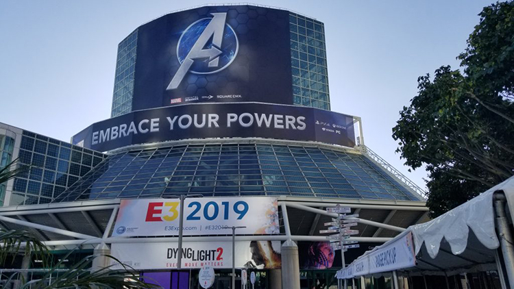 outside-e-3-2019-convention-center-has-poster-of-the-avengers-a-logo