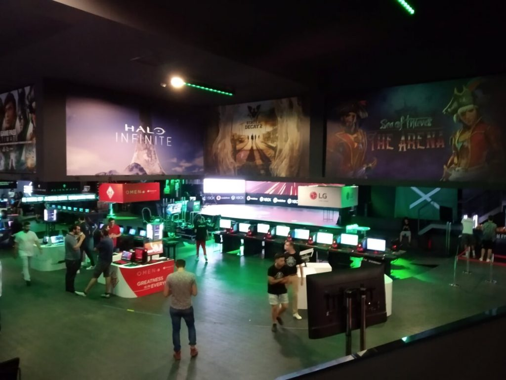 A view of the showfloor with big promotions for various Xbox games